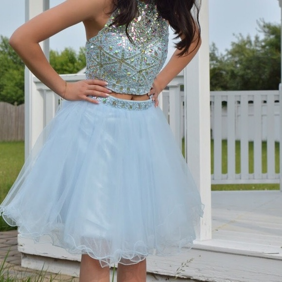 03d55551acaf3 Short 2 piece prom dress light blue size 2